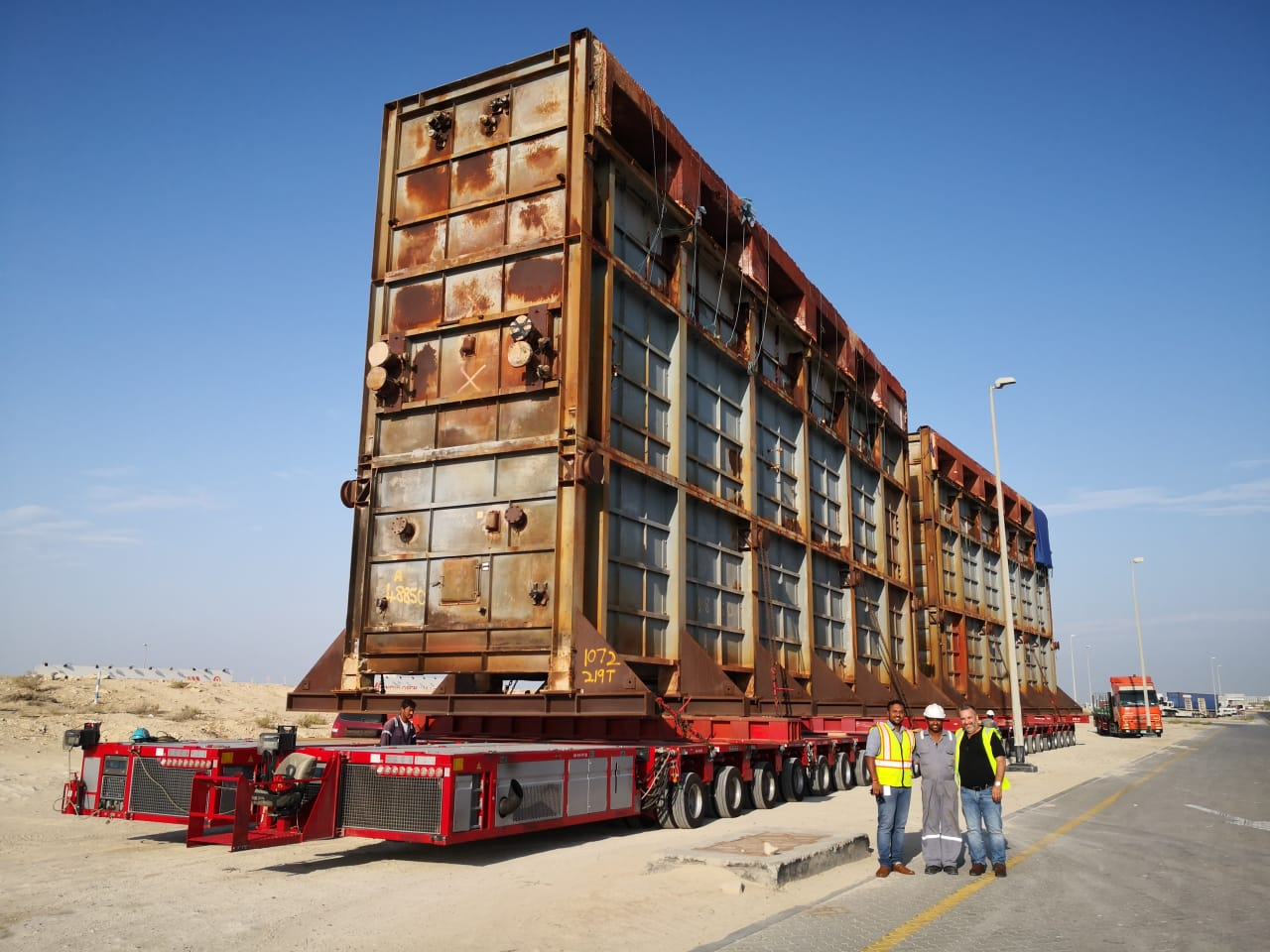 Al Faris provided complete logistics including jacking and skidding for an oil refinery project